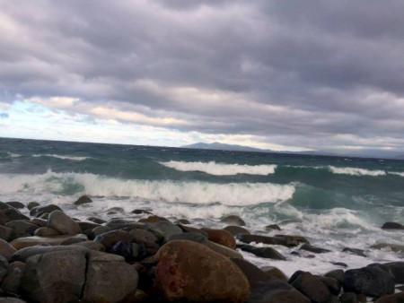 大時化の後浜